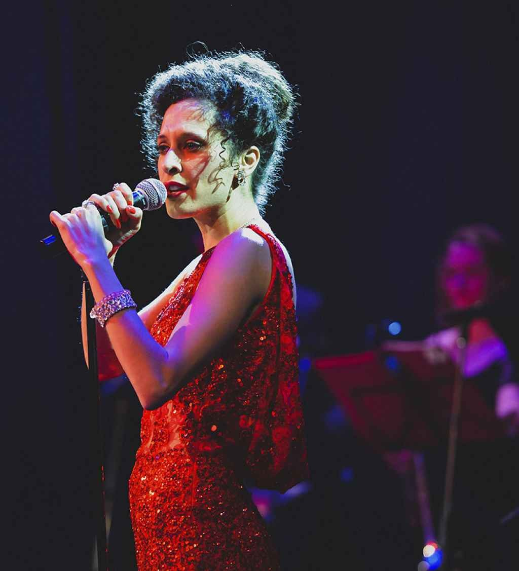 Riverlinks presents Where Do I Begin: The Music of Shirley Bassey - An Afternoon Delight