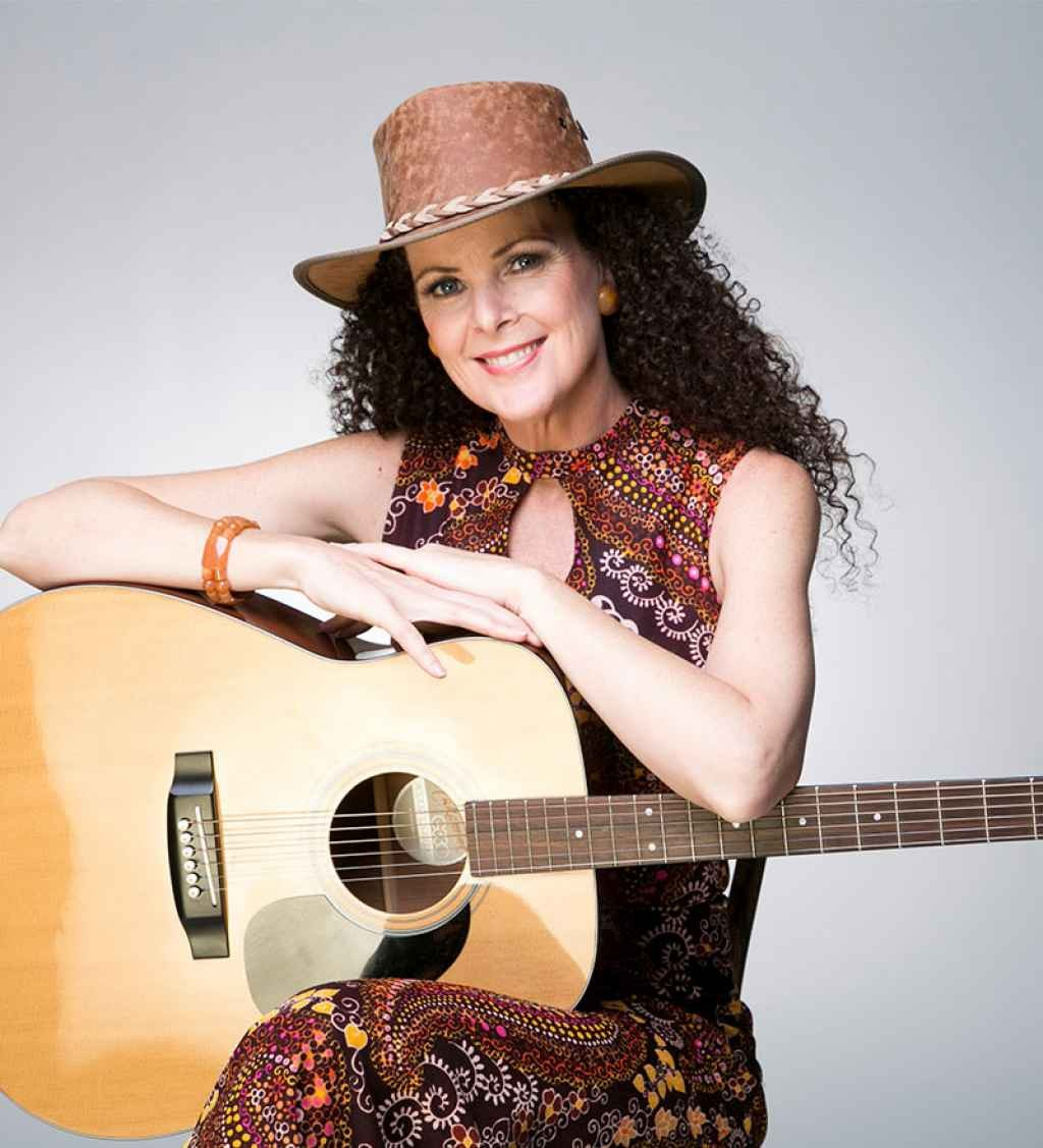 Riverlinks presents Gina Hogan: A Country Girl at Heart - An Afternoon Delight